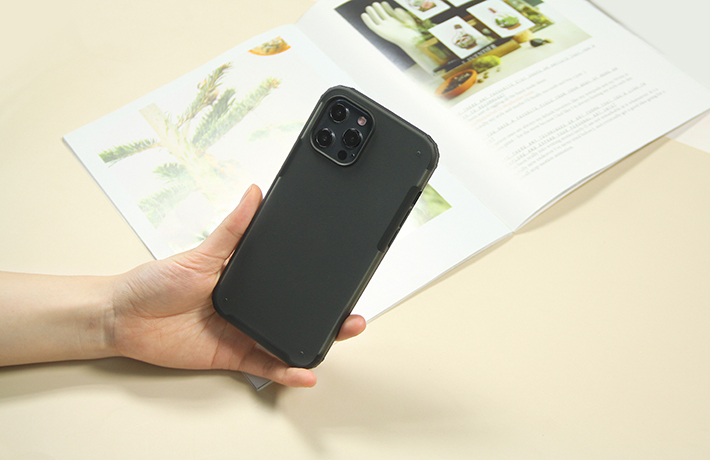 Ốp chống sốc iPhone 12 Pro Max 6.7 WK 8